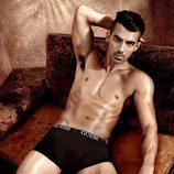 Joe Jonas y su provocador posado para Guess