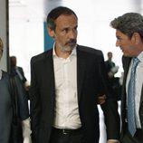 Blanca Portillo, Francesc Garrido y Antonio Dechent en el primer capítulo de 'Sé quién eres'