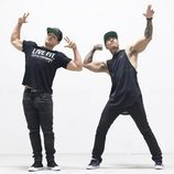 Cody Christian muestra su trabajada musculatura para promocionar Live Fit