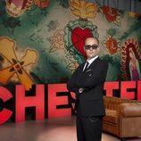 Risto con los brazos cruzados promociona 'Chester in Love'
