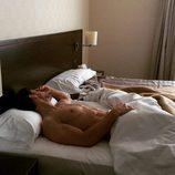 Escaleto ('Sálvame') posa desnudo luciendo cuerpo