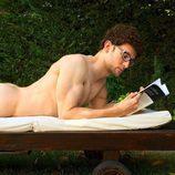 César Toral, Escaleto en 'Sálvame', enseña su culo desnudo