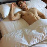 César Toral, Escaleto en 'Sálvame', desnudo en la cama