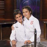 Paula junto con Paloma en la gran final de 'MasterChef Junior 4'