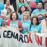 Los vecinos de San Genaro reciben a Tierno Galván en el segundo capítulo de la 18ª temporada de 'Cuéntame cómo pasó'