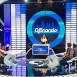 Eva González junto los ocho invitados del primer programa de 'El gran reto musical'