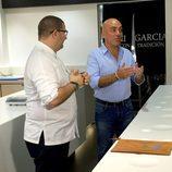 Kike Sarasola con el chef Dani García en 'Este hotel es un infierno'