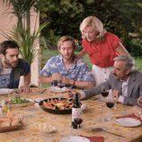 Ana Duato y su familia disfrutan de una paella en el capítulo tercero de la temporada 18 de 'Cuéntame cómo pasó'