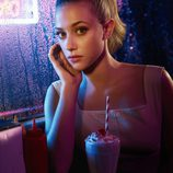 Lili Reinhart es Betty Cooper en 'Riverdale'