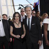 Winona Ryder ('Stranger Things') y su pareja en la alfombra roja de los SAG Awards 2017
