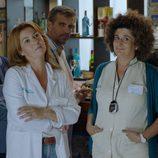 Dos doctoras de la Clínica Hispalis en la tercera temporada de 'Allí abajo'
