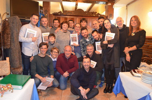 Varios fans de 'El súper' realizaron una cena con los actores de la serie