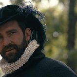 Fernando Gil como el duque de Alba en el tercer episodio de 'Reinas'