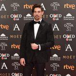 Adrián Lastra en la alfombra roja de los Goya 2017