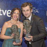 """Raúl Arévalo y Beatriz Bodegas, director y productora de """"Tarde para la ira"""" en los Goya 2017"""