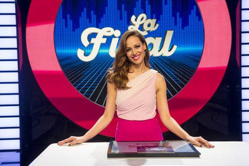Eva González sonríe para el programa 'El gran reto musical'