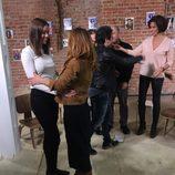 Dafne Fernández y Silvia Marty se abrazan en 'Un paso adelante. El reencuentro'