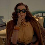 Susan Sarandon, fumando como Bette Davis en 'Feud'
