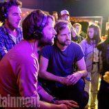 Los hermanos Duffer, creadores de 'Stranger Things', durante el rodaje de la segunda temporada de la serie