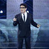 Juan Muñoz imita a Jimmy Fontana en la gala 15 de 'Tu cara me suena'