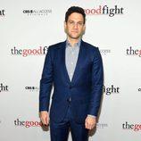 Justin Bartha en la alfombra roja de 'The Good Fight'
