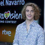 Manel Navarro posa en la rueda de prensa de RTVE