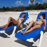 Corina y Rojo Cangrejo toman el sol en 'Viajeras con B'