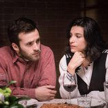 Carlos e Inés durante la cena familiar con la nueva novia de Toni en 'Cuéntame cómo pasó'