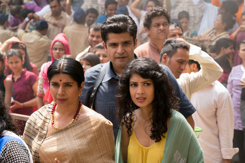 Kala Dandekar y su familia en la segunda temporada de 'Sense8'