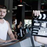 Álex Forriols, trabajando su musculatura, en una secuencia de gimnasio en 'Indetectables'