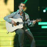 Dani Rovira es Ismael Serrano en la segunda semifinal de 'Tu cara me suena'