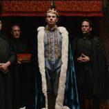 El actor Landher Iturbe es el Rey Jacobo I en el sexto capítulo de 'Reinas, virgen y mártir'