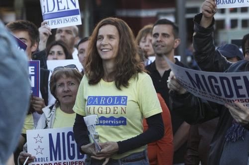 Rachel Griffiths encarna a Diane, la activista del colectivo LGTB de la serie 'When We Rise'