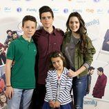 Los niños de 'iFamily' posan en la rueda de prensa de la serie de RTVE