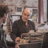 Antonio Resines es dueño de un bar en 'iFamily'