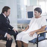 Antonio Garrido y Fernando Cayo en el primer capítulo de 'iFamily'