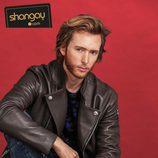 Pablo Rivero con una chaqueta de cuero en las fotos de Shangay