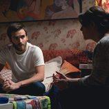 Carlos mantiene una conversación en  el capítulo 9 de 'Cuéntame como pasó'