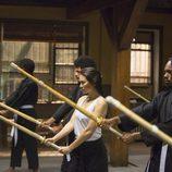 Colleen Wing (Jessica Henwick) concentrada en un entrenamiento en 'Iron Fist'