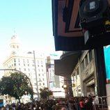 Más de un centenar de seguidores de 'The Walking Dead' esperan en los Cines Capitol al reparto protagonista