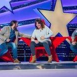 Rafael Amargo, Melani Olivares y el humorista Vaquero, se parten de risa durante 'Jugando con las estrellas'