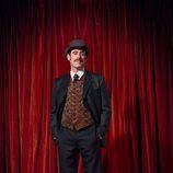 Stephen Mangan es Arthur Conan Doyle en 'Houdini y Doyle'