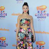 Kira Kosarin en la alfombra roja de los Nickelodeon's 2017 Kids' Choice Awards