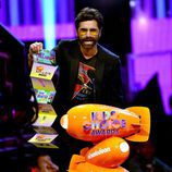 John Stamos recoge el premio en  los Nickelodeon's 2017 Kids' Choice Awards