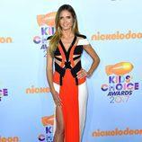 Heidi Klum en la alfombra roja de los Nickelodeon's 2017 Kids' Choice Awards