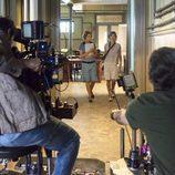 Ana Fernández y Maggie Civantos grabando 'Las chicas del cable'