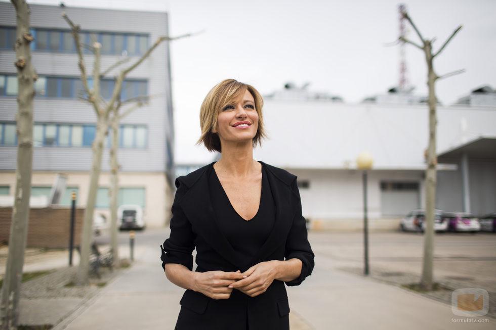 Susanna griso mira al cielo en una de las nuevas fotos promocionales de 39 espejo p blico 39 fotos - Antena 3 espejo publico ...