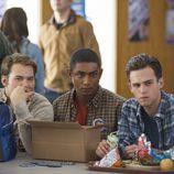 ¿Qué miran Bryce, Marcus Cole y Justin en 'Por 13 razones'?