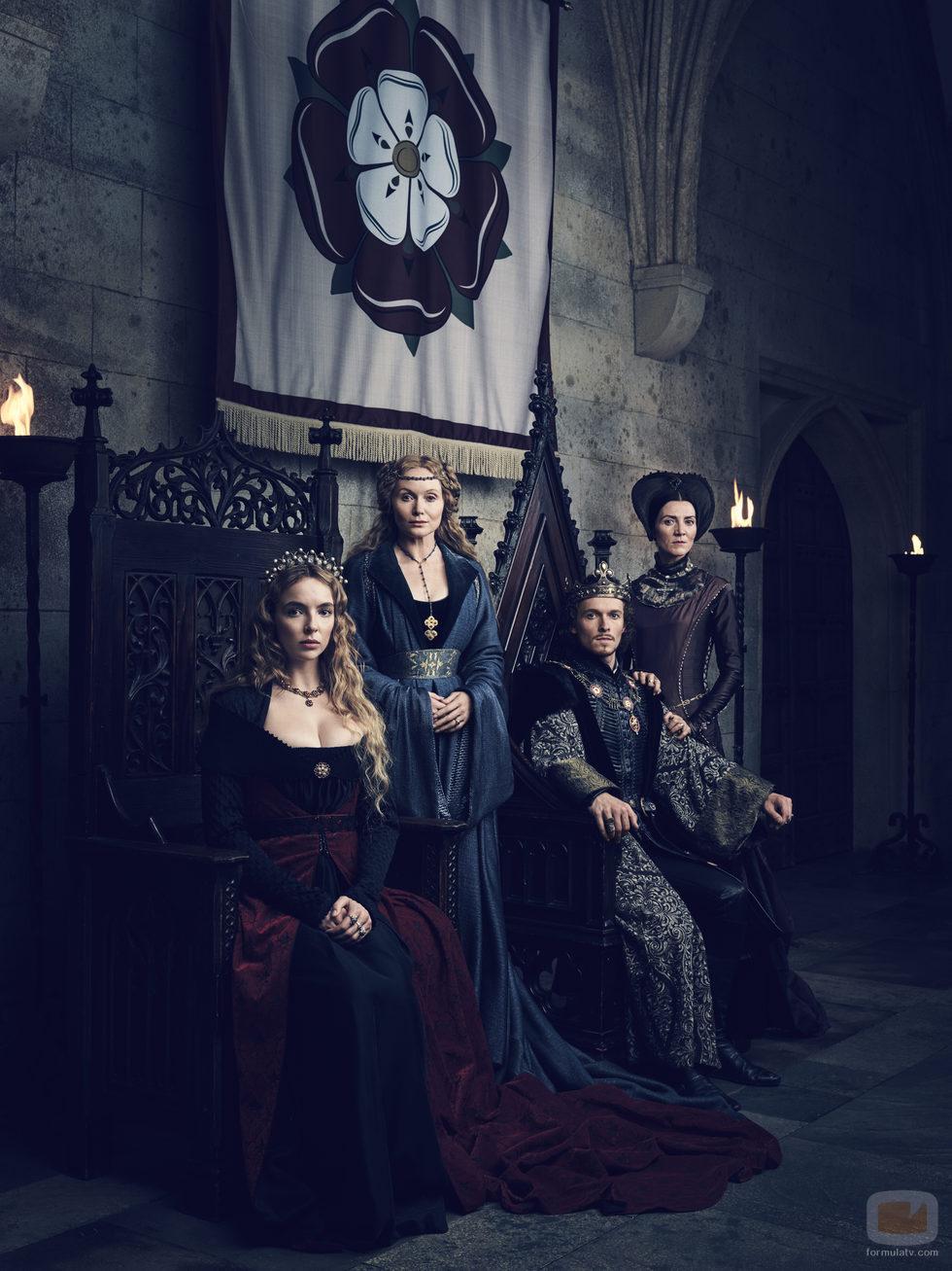 Jodie Comer, Essie Davis, Jacob Collins-Levy y Michelle Fairley, en la serie 'The White Princess'