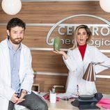 Los actores de 'Allí abajo' Gorka Otxoa y María León